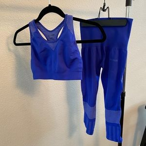 BLUE SPORTS BRA & HIGH WASTED CROPPED LEGGINGS